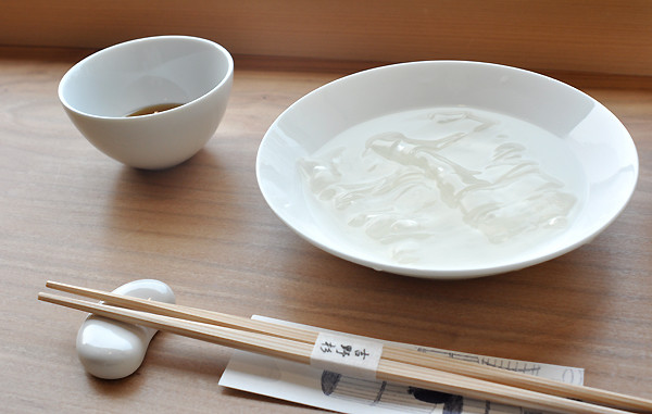 Kẹo Nakai Shundehodo trong suốt vô cùng độc đáo, tan biến trong vòng 10 phút