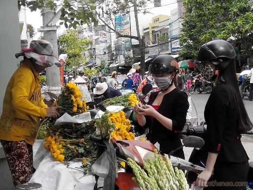 ram-thang-7-hang-chay-dat-khach-hang-hoa-lai-nua-trieungay3