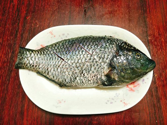 Công thức làm cá rô phi sốt tương đắt cơm ngày lạnh