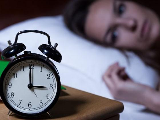Đột nhiên thức dậy giữa đêm thì nhớ không làm điều này kẻo mang bệnh vào thân - Ảnh 3.
