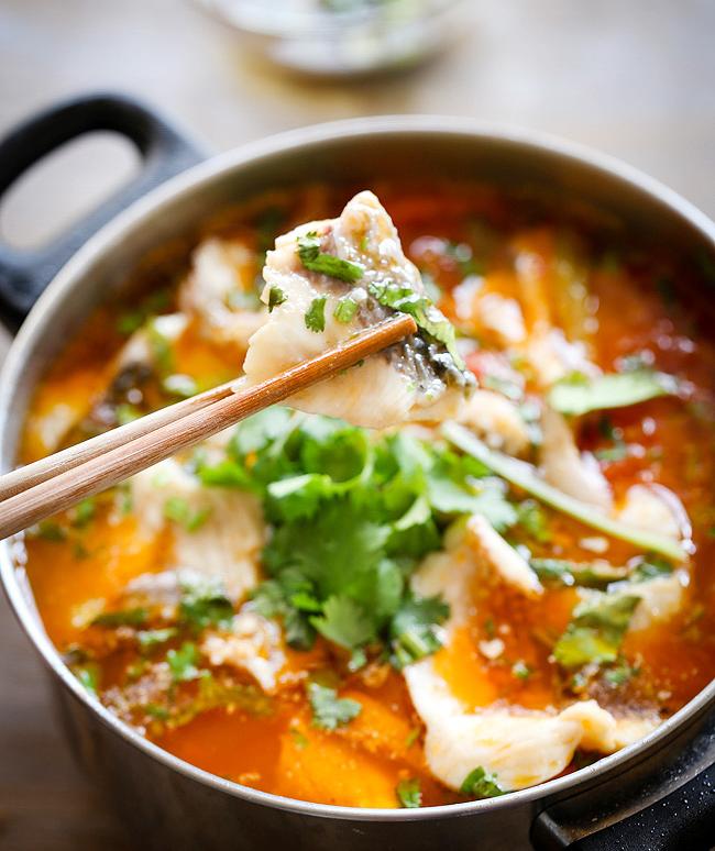 Canh cá trắm nấu chua cay ngon ngọt thơm nồng