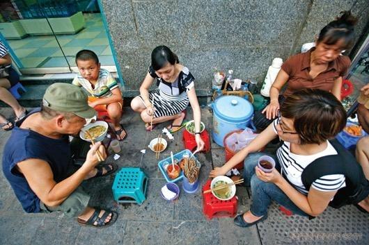 Những quán phở bò trứ danh ở Hà Nội