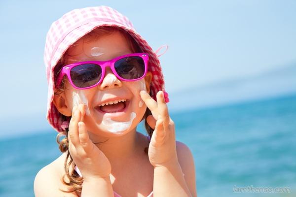 Sai lầm khi không sử dụng kem chống nắng cho trẻ nhỏ