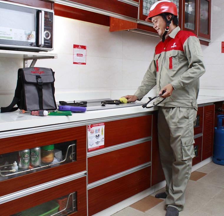 Định kỳ kiểm tra bếp gas an toàn