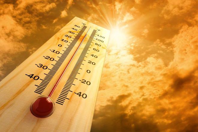 Chống sốc nhiệt ngày nhiệt độ ngoài trời quá cao, hãy trang bị ngay những giải pháp này - Ảnh 1.